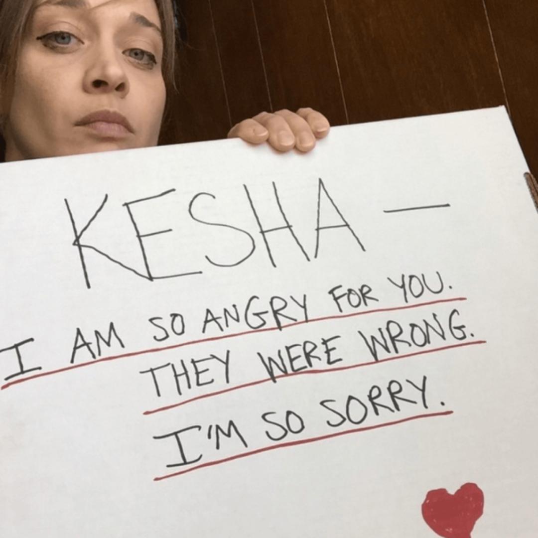 Fiona Apple critica a los Grammys por nominar el seudónimo de Dr. Luke
