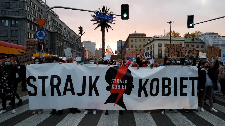 Polonia: Las manifestaciones a favor del derecho al aborto se intensifican ante promulgación de ley que lo prohíbe