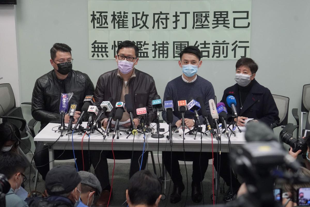"""Hong Kong: Activistas denuncian plan para """"eliminar"""" a la oposición"""