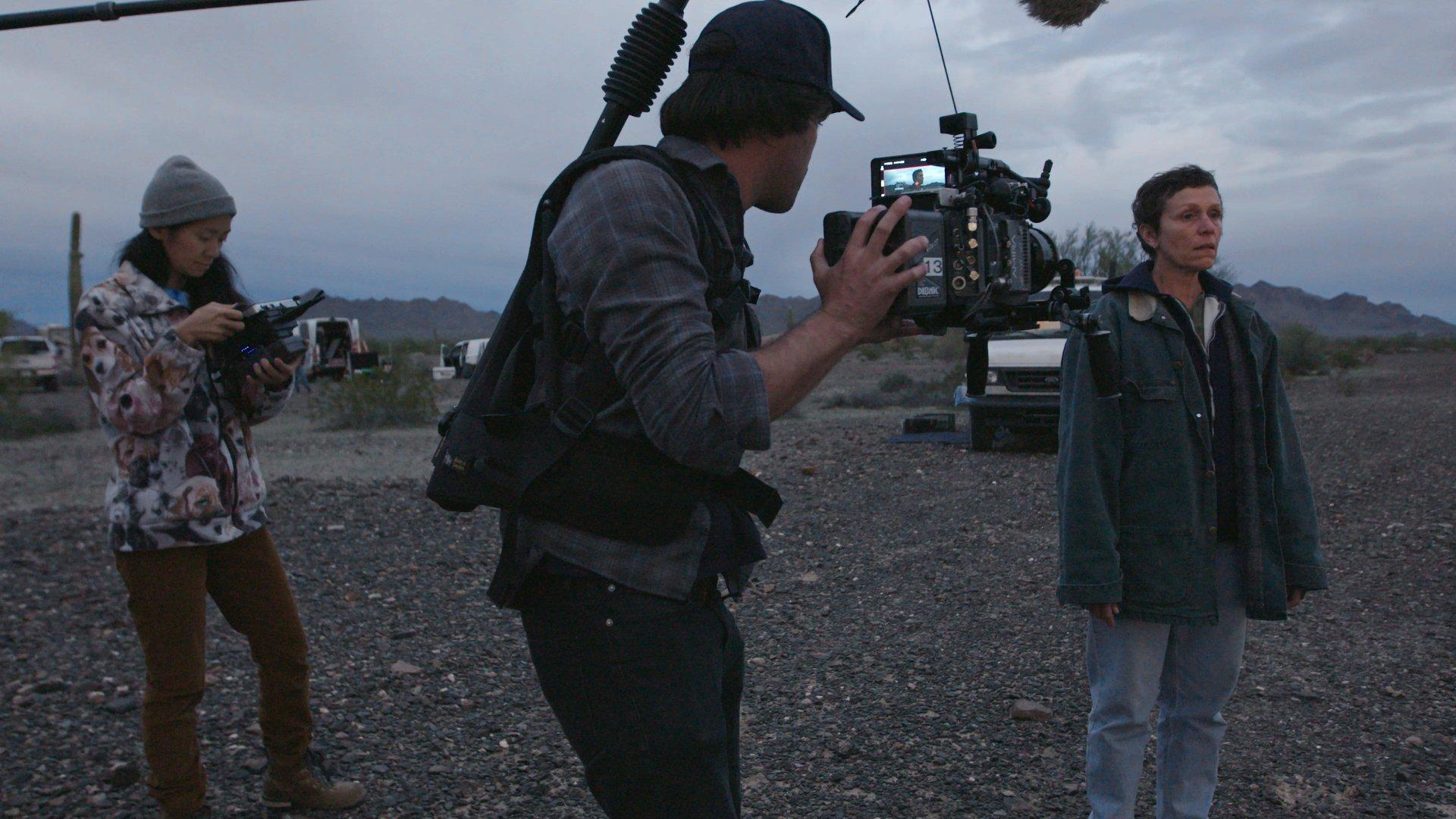 """""""Vete a la mierda"""": El director de fotografía de """"Nomadland"""" cuestiona a Quentin Tarantino por despreciar al cine digital"""