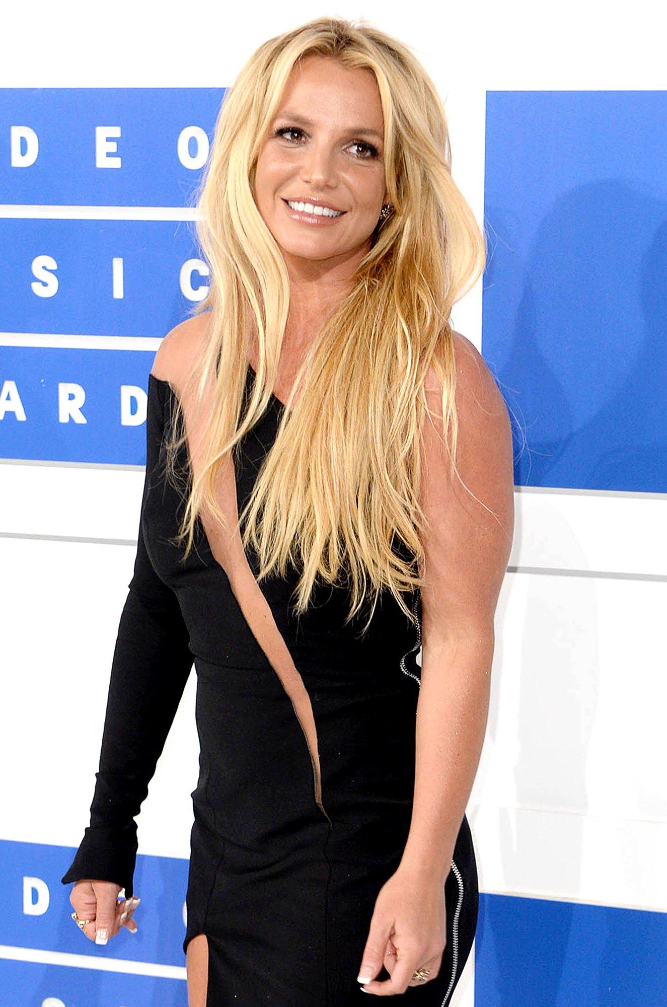 """Britney Spears le responde a sus fans preocupados por su salud mental: """"Estoy totalmente bien"""""""
