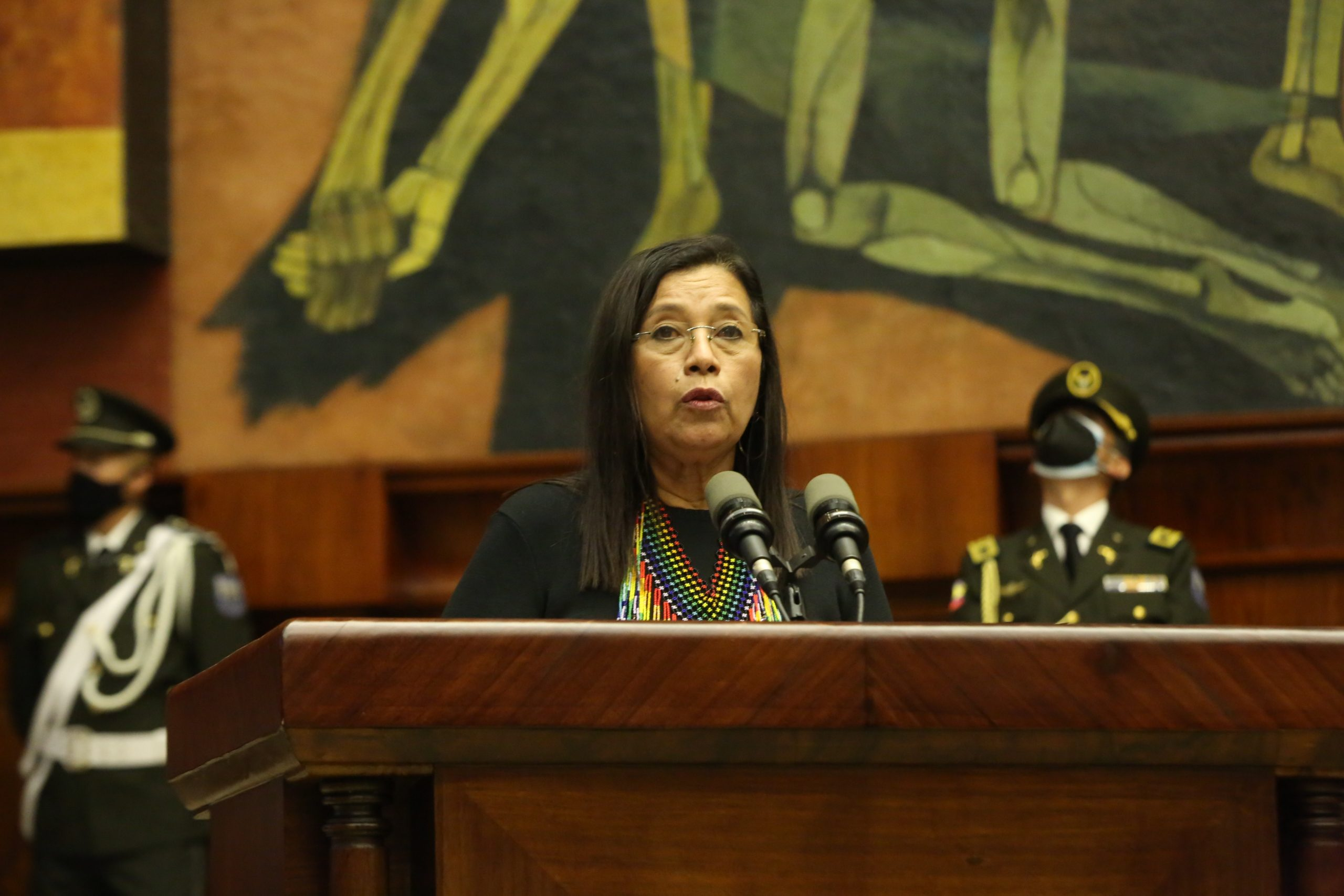 Guadalupe Llori es la primera mujer indígena en presidir el Parlamento de Ecuador