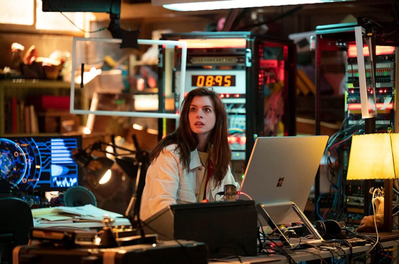 """Anne Hathaway, Helen Mirren y más protagonizan """"Solos"""", la nueva serie antológica y futurista de Amazon"""