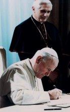Giovani Paolo II firma fides et ratio