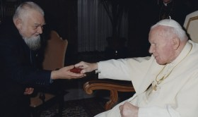 White Enzo with John Paul II