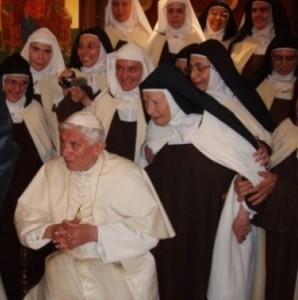 Carmelitane di Harissa (Libano) Benedetto XVI-001