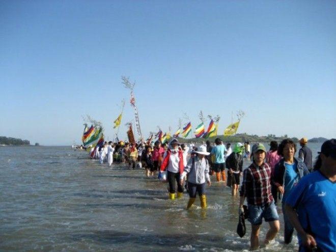3-36 | Библейское чудо в Корее — два раза в году море расступается и тогда...