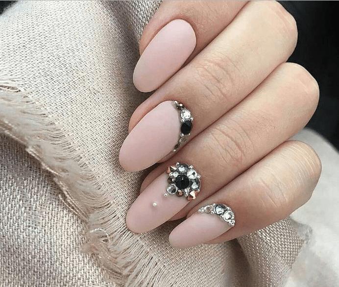 image16 | Модно и дорого: 25 идей роскошного ногтевого дизайна