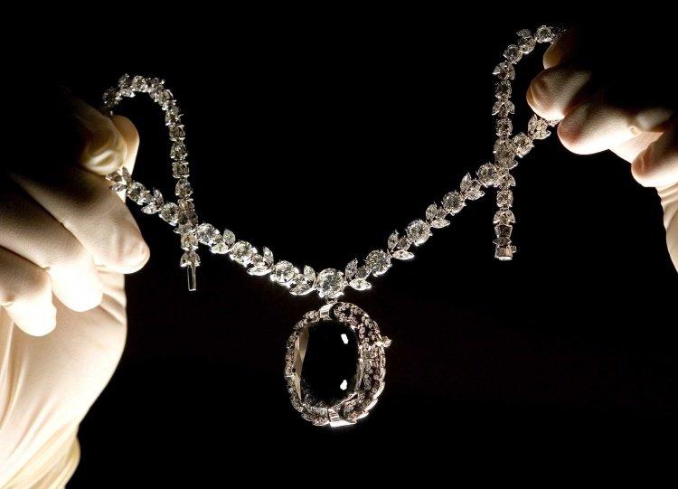 image2-97 | Самые роковые бриллианты в истории
