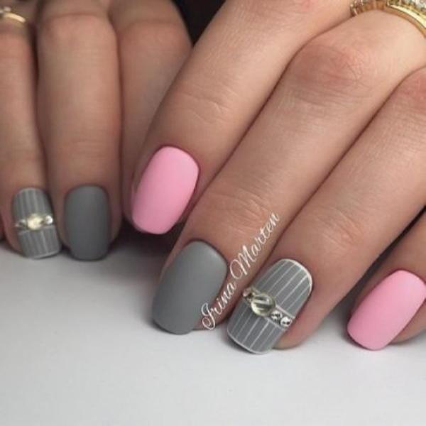 image4-63 | Красивые ногти с украшениями на весну-лето 2018