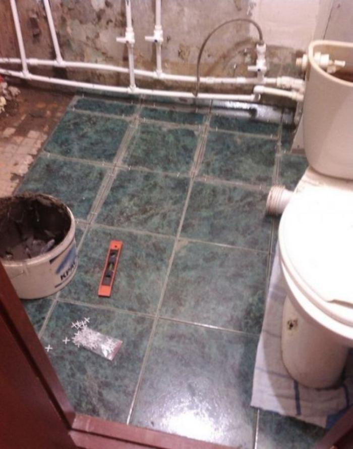 image6-3   Сын отремонтировал матери ванную комнату... Любо-дорого!