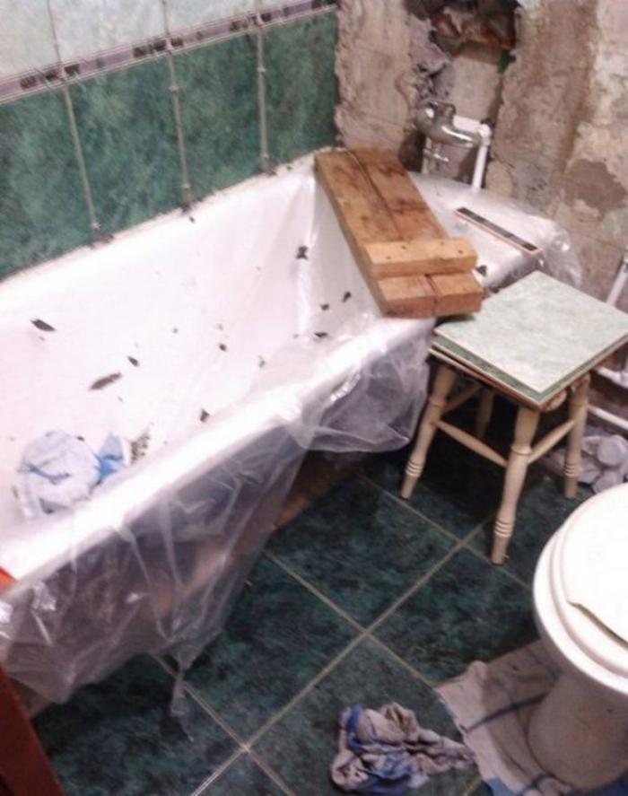 image7-3   Сын отремонтировал матери ванную комнату... Любо-дорого!