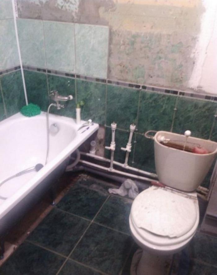 image9-3   Сын отремонтировал матери ванную комнату... Любо-дорого!