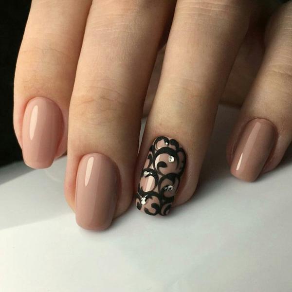 image15-55   Модный маникюр с дизайном на короткие ногти