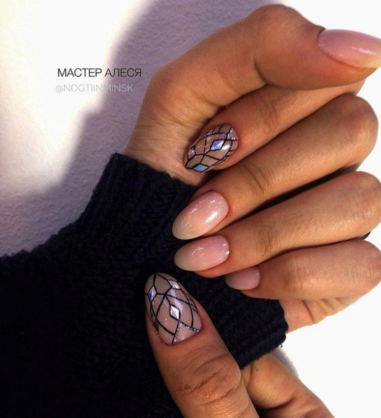 image19-40   Интересные идеи маникюра с рисунками на ногтях