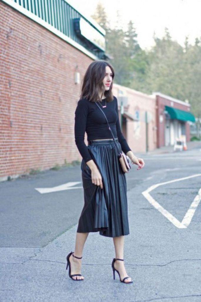 image4-76 | 10 стильных образов с черной юбкой