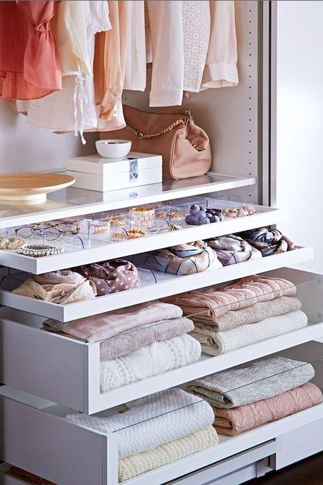 image22-36 | Как правильно складывать вещи и белье в шкафу, чтобы они занимали меньше места