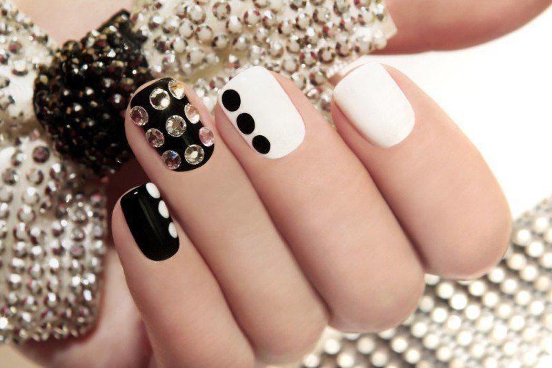 embellished-nails-4 | Тренды маникюра: маникюр с украшениями