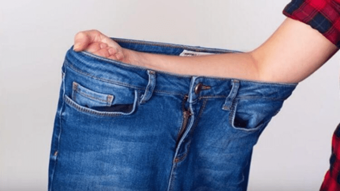 4 способа определить размер джинсов, не заходя в примерочную