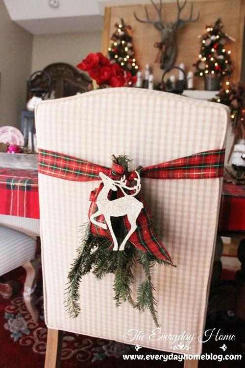 image2-9 | Как украсить стулья к Новому году