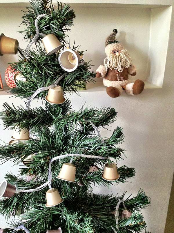 image17-1   Рождественские и Новогодние украшения из втросырья своими руками