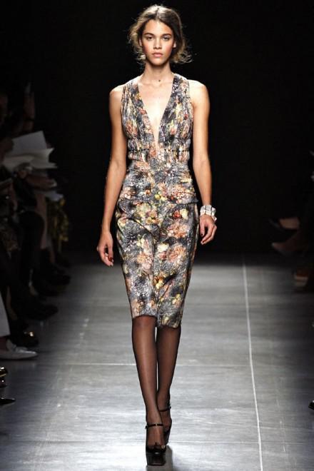 image7-10 | Летние платья с цветочным принтом: тренды 2019 года от известных домов моды