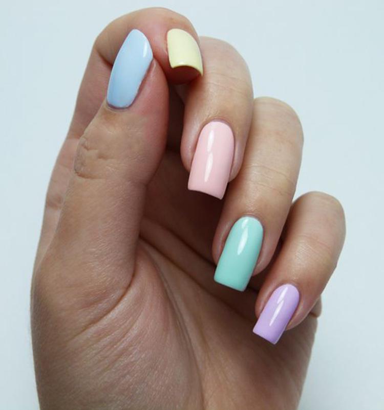 image3-26   34 идеи разноцветного маникюра — радуга на кончиках ваших пальцев