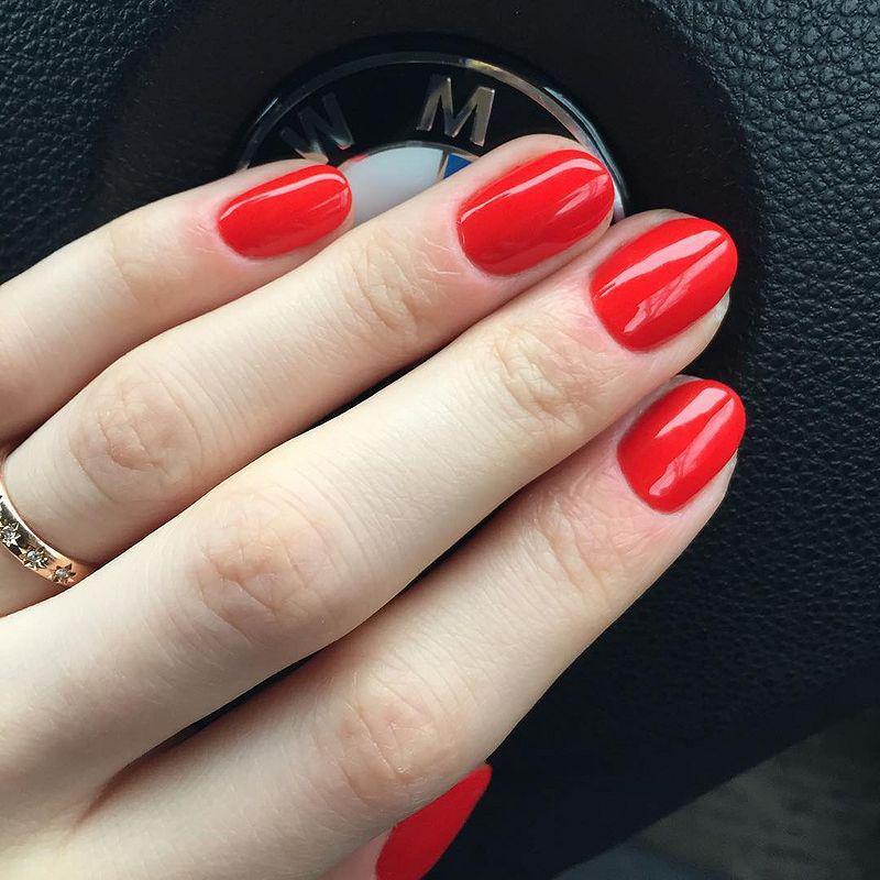 image30-23   Лучшие идеи красного маникюра на ногти любой длины