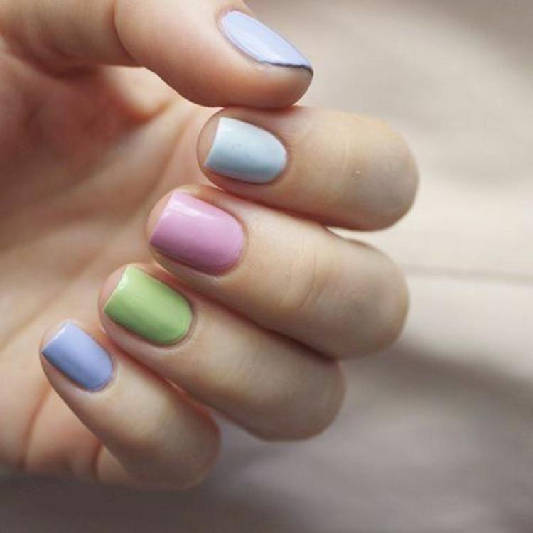 image5-25   34 идеи разноцветного маникюра — радуга на кончиках ваших пальцев