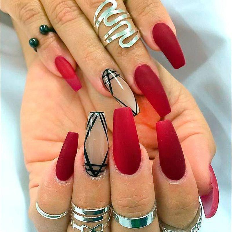 image9-32   Лучшие идеи красного маникюра на ногти любой длины