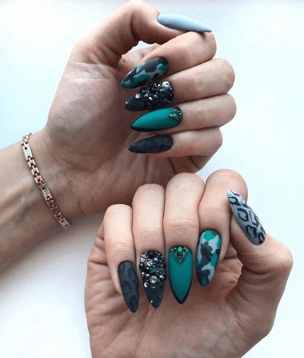 image3-4 | 38 идей матового маникюра на миндалевидные ногти