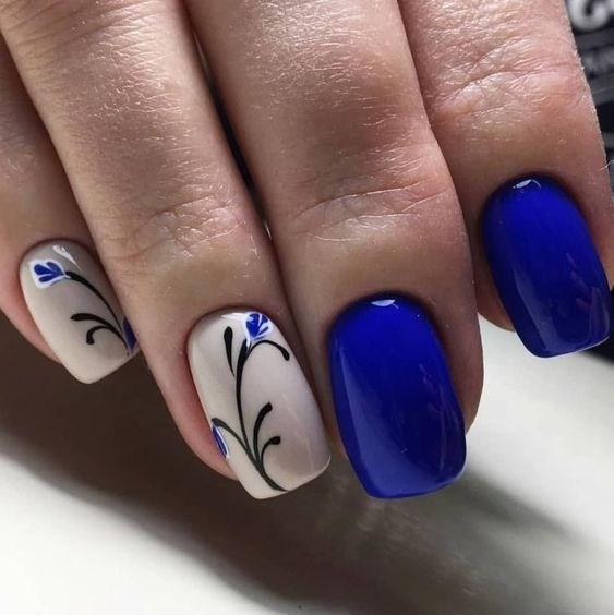image8-8 | 37 идей синего маникюра на ногти разной формы и длины — найди лучшее решение