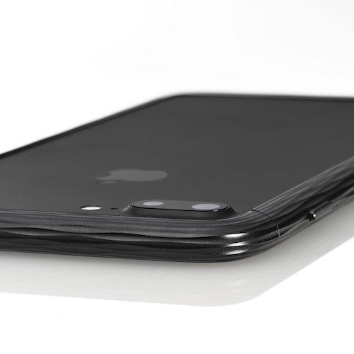 16万円するジュラルミンiPhoneケース