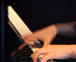 ピアノを専門買取業者に売ってお金を得る