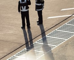 警備員資格制限 - 自己破産