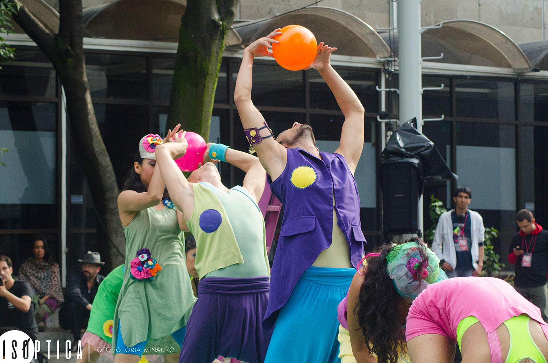 end-2016-la-bola-coreografia-irene-martinez-grupo-mandinga-plaza-angel-salas-ccb-fotografia-gloria-minauro_2119p