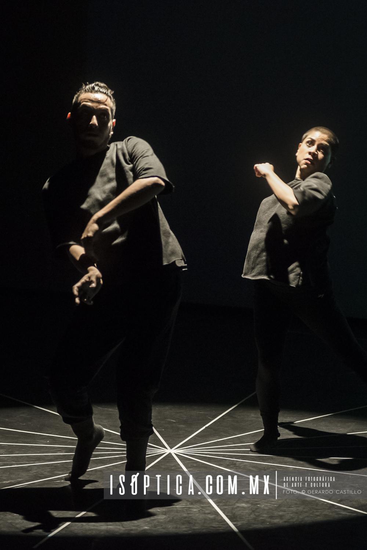 Presenta The Move Makers: Vaivén dentro la Trilogía Escena Con