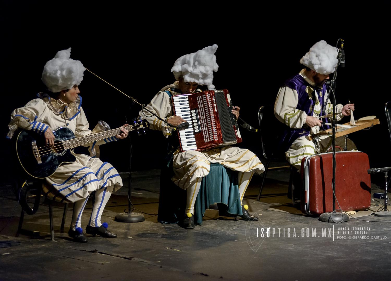 """Presenta la Sensacional Orquesta Lavadero """"Escenas Extravagantes"""