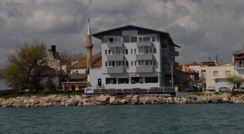 Belediyeden satılık otel