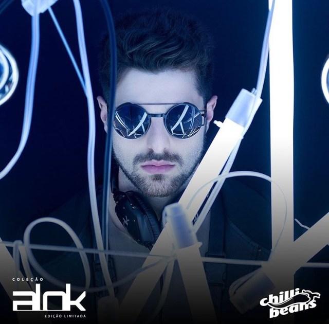 4011cf11e A Chilli Beans recebe em todos os pontos de venda do Brasil, a partir de 20  de fevereiro, sua nova coleção com o DJ Alok – considerado o maior DJ  brasileiro ...