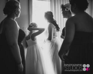 Outdoor-Lake-Wedding-Photography-008