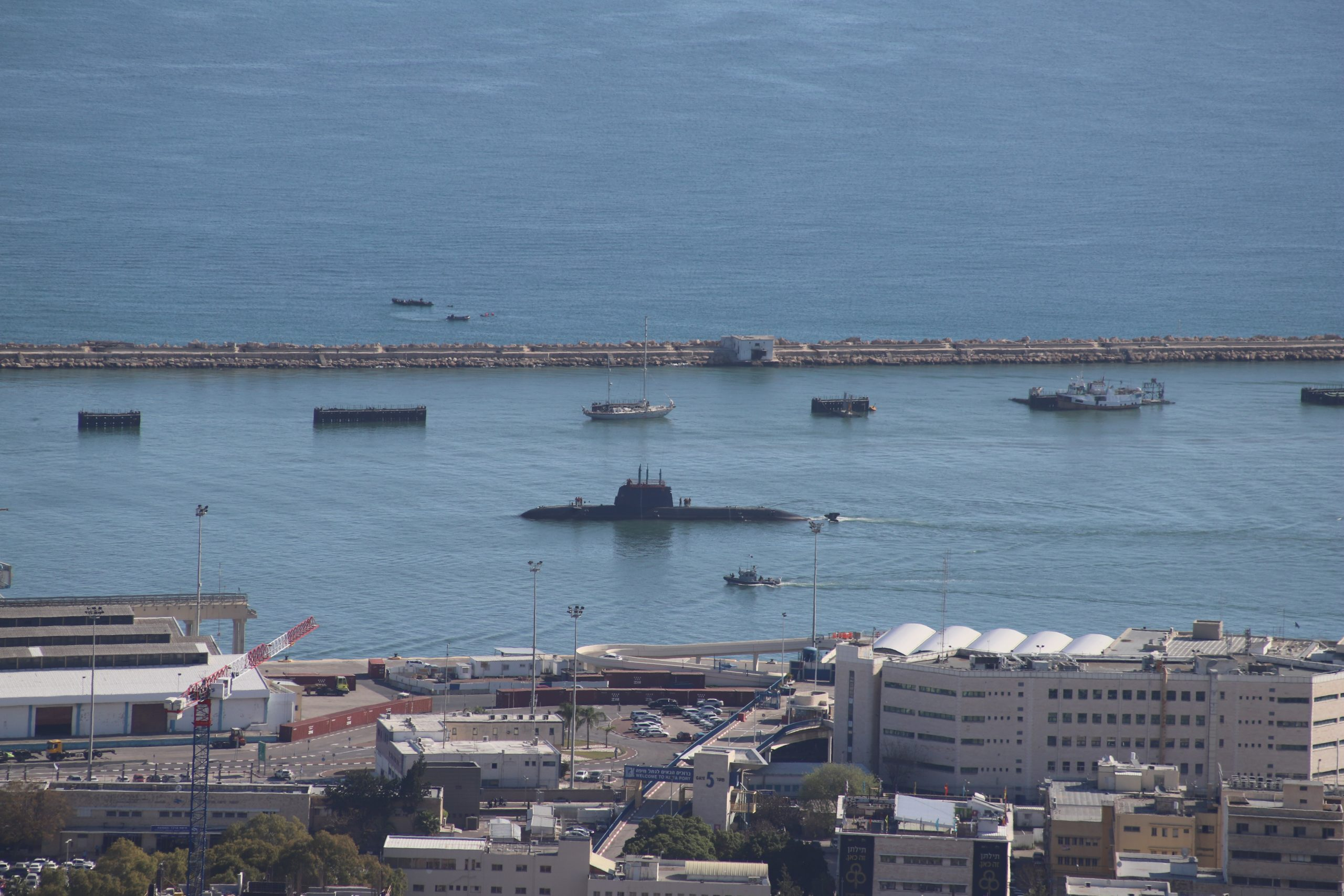 Gantz seeks leverage against Netanyahu by forming a panel to investigate submarine affair