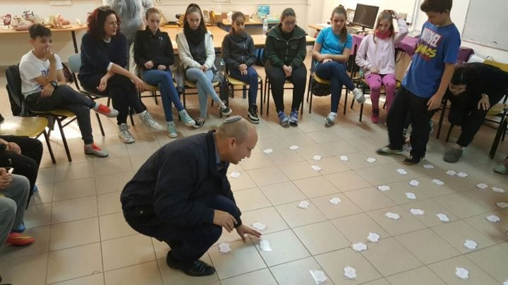 Ha'aretz: Israeli Students Undergo Right-wing Indoctrination Before Going on School Trips Abroad