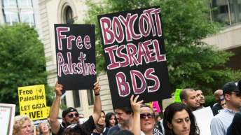 The Intercept: U.S. Lawmakers Seek to Criminalize Support for BDS