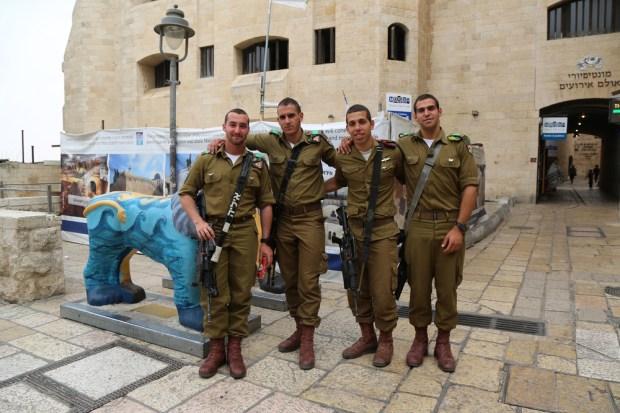 Армия Израильские солдаты в Старом городе Иерусалима.