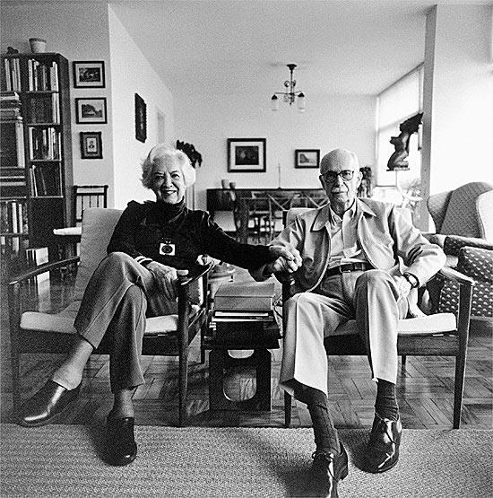 Gilda de Mello e Souza e Antonio Candido, parceiros na vida e na militância intelectual. Foto por Bob Wolfenson.