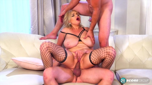 3534fce1fbb51dccbadc353616e5326b l - Diana Frost Horny And Hot Big-Tit Threesome