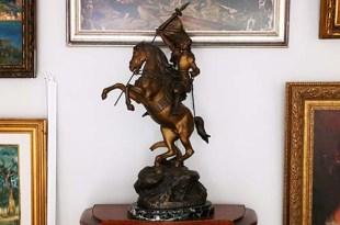 bronz heykel