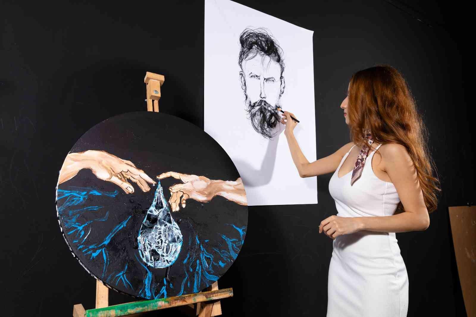 Genç sanatçıların eserleri sanatseverlerle buluşuyor