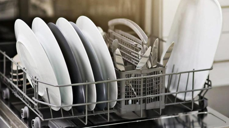 İkinci El Beyaz Eşya Alan Yerler hizmeti sırasında en çok talep gören ürünlerden biri de bulaşık makinesidir. İhtiyaç fazlası bulaşık makinesi ürününüz varsa bizi hemen arayın...